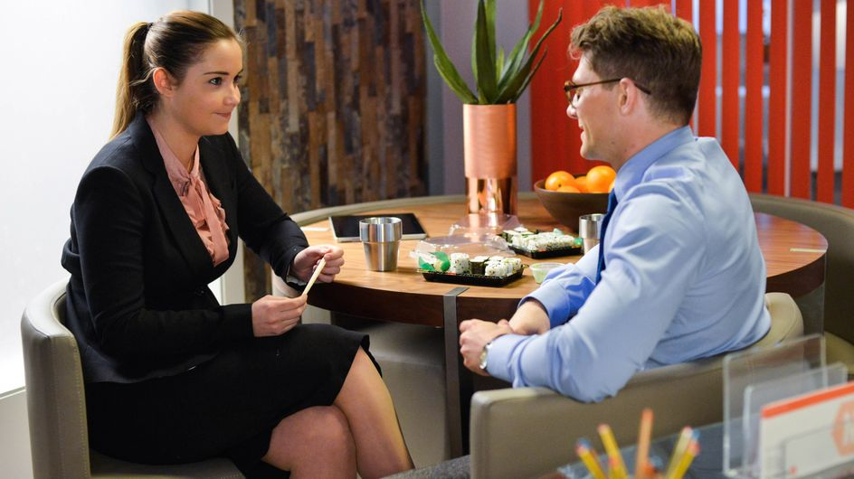 Eastenders 25/05 - Josh And Lauren Continue To Grow Close