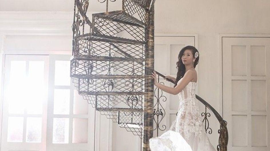 Condamnée par le cancer, elle réalise son rêve et pose seule en robe de mariée (photos)