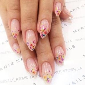 "Manucure ""fleurs"""
