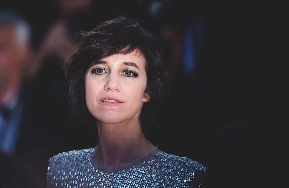 Charlotte Gainsbourg ose la mini-robe pour monter les marches du Festival de Cannes (Photos)