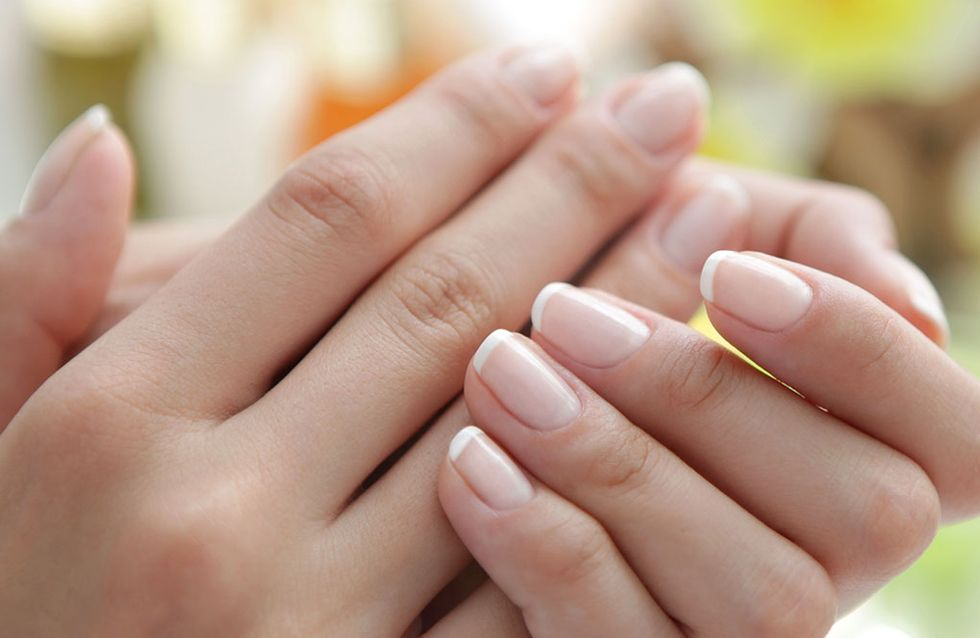 O que são as manchas brancas que aparecem nas unhas?
