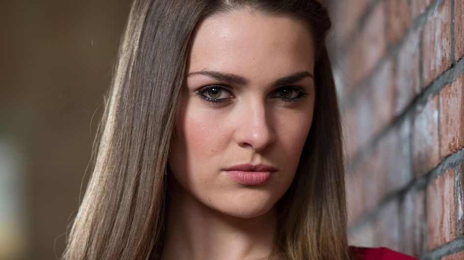 Hollyoaks 31/05 - Sienna Wants Warren More Involved In Her Pre-Natal Routine