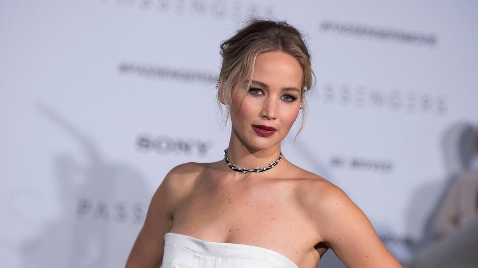 """Jennifer Lawrence irreconocible en el cartel de su nueva película, """"Mother"""""""