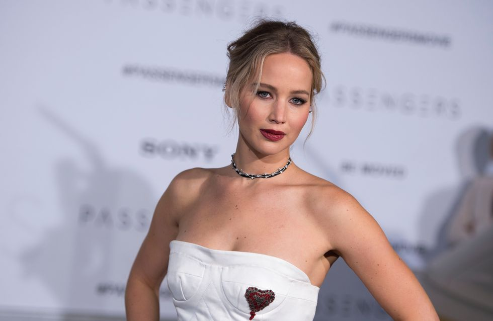 "Jennifer Lawrence irreconocible en el cartel de su nueva película, ""Mother"""