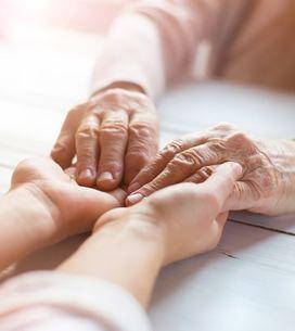 La sua amata nonna ha il cancro: una bimba di 3 anni la aiuta con grandissimo co