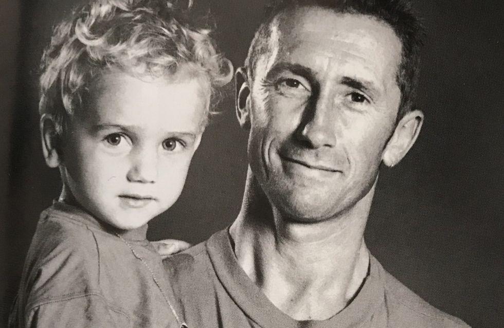 Saurez-vous reconnaître ce petit garçon qui pose avec son papa (Photo)