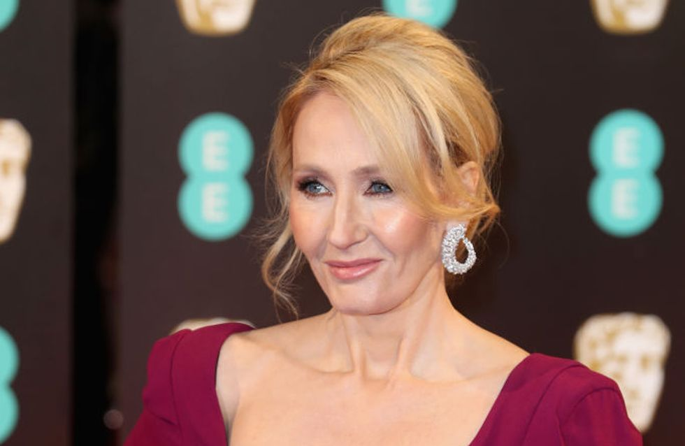 J.K Rowling répond aux attaques misogynes contre Theresa May dans une série de tweets épiques