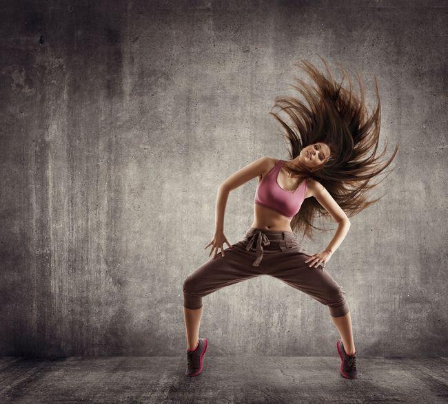 La danse orientale est une danse dorigine égyptienne, développée au Maghreb et au Proche-Orient, qui comprend de nombreux styles.