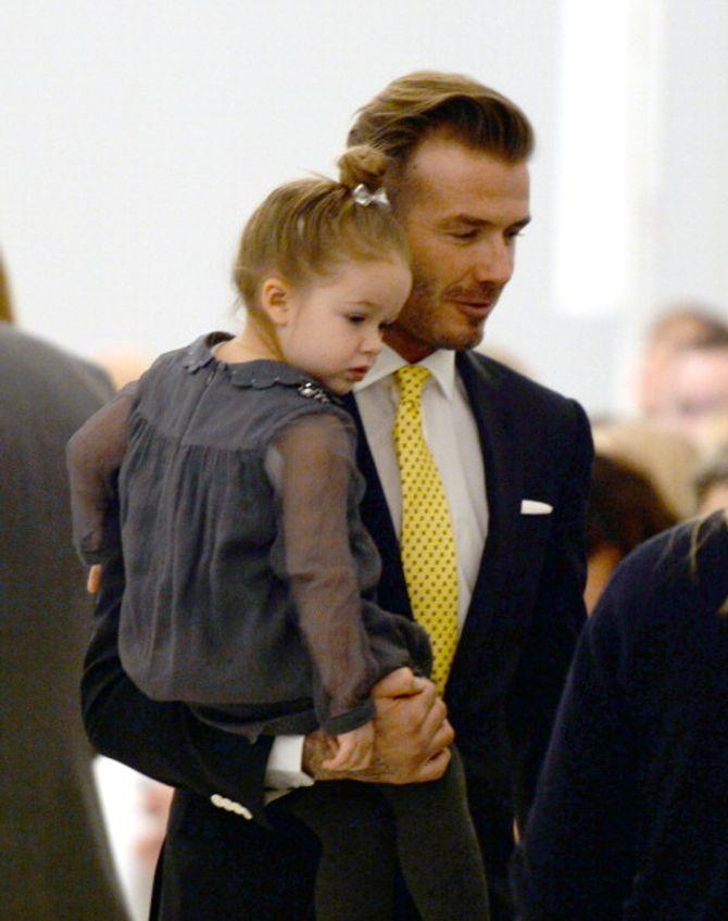 """Une photo de David Beckham et sa fille jugée """"perverse"""" fait polémique"""