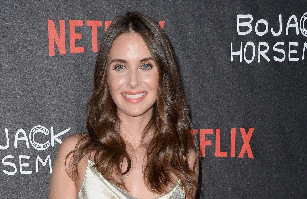 Pour 3 répliques, cette actrice a dû passer son casting en bikini... WTF ?