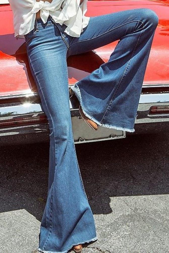 I jeans a zampa