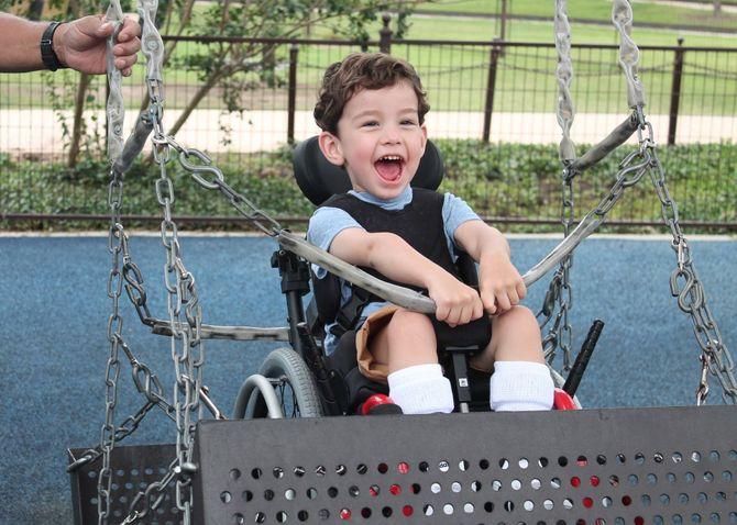le 1er parc habilité pour les enfants à handicap