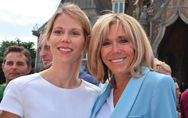 Brigitte Macron, baskets et mini-jupe en jean pour son week-end au Touquet (Phot