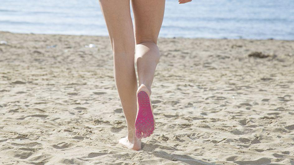 ¡Las chanclas del verano! La solución para no quemarnos los pies en la playa