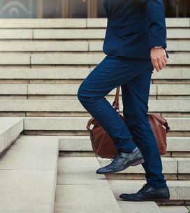 Hombres con pantalones cortos al trabajo, ¿sí o no?