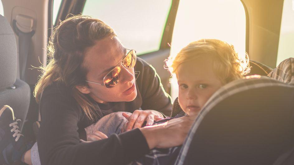 Bambini dimenticati in auto: un bimbo di 10 anni inventa una soluzione!