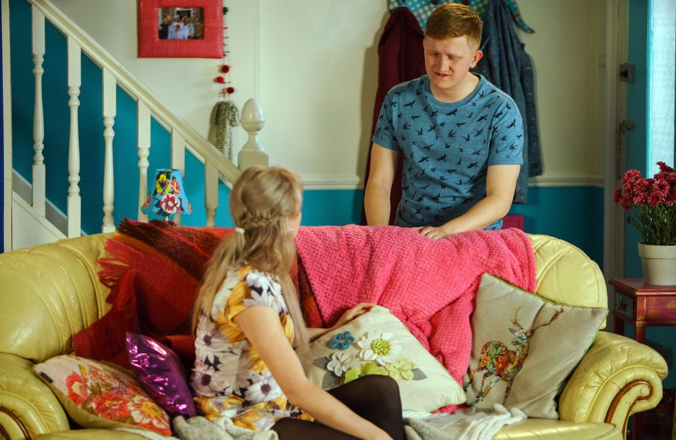 Coronation Street 03/07 - Chesney Gets Caught In The Crossfire