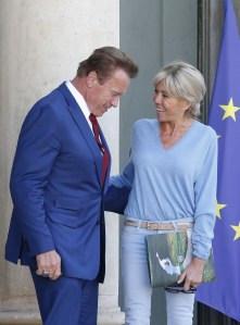 Brigitte Macron, du bleu ciel sinon rien !