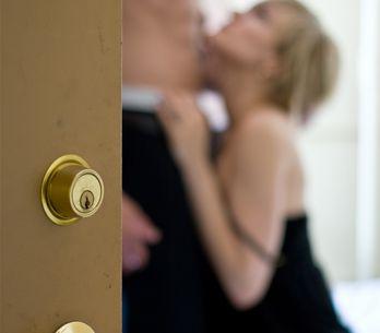 Gli italiani hanno una fantasia erotica preferita, scopriamo quale