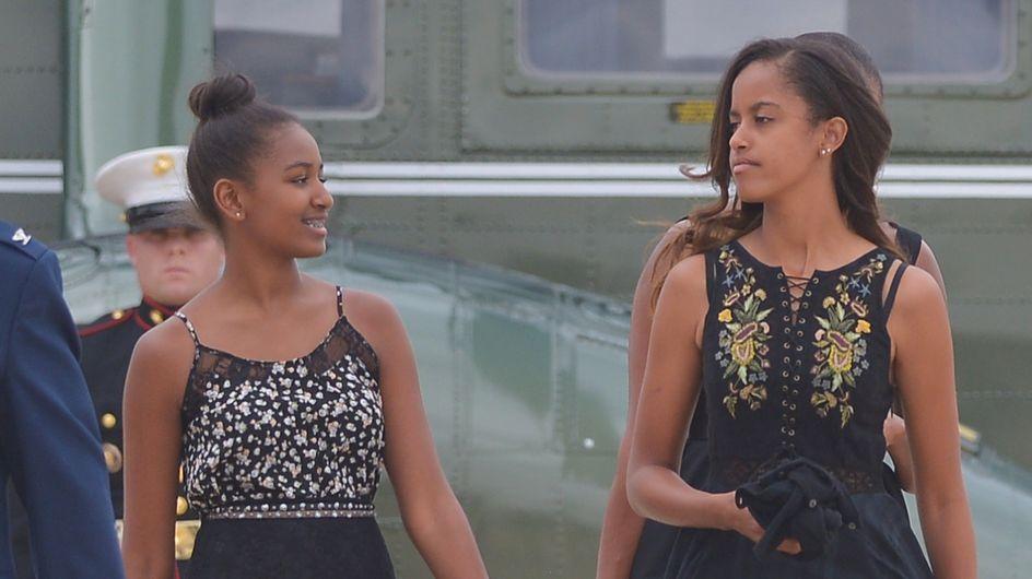 Malia et Sasha Obama, en tenue traditionnelle pour leurs vacances à Bali (Photos)