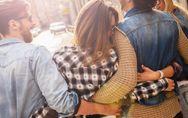 Poliamore: cosa significa e come funziona questa esperienza amorosa multipla