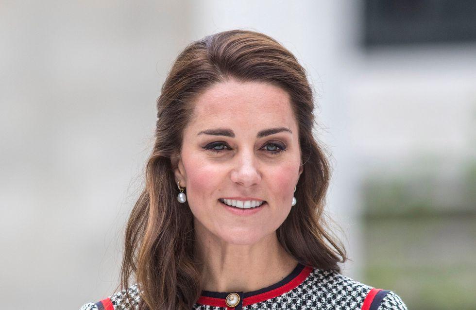 Kate Middleton, canonissime dans une petite robe en tweed ! (Photos)