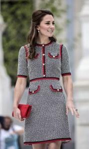 Kate Middleton et sa petite robe en tweed.