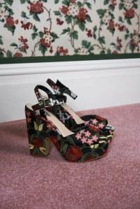 Die 70er-Schuhe dürfen gerne gemustert sein