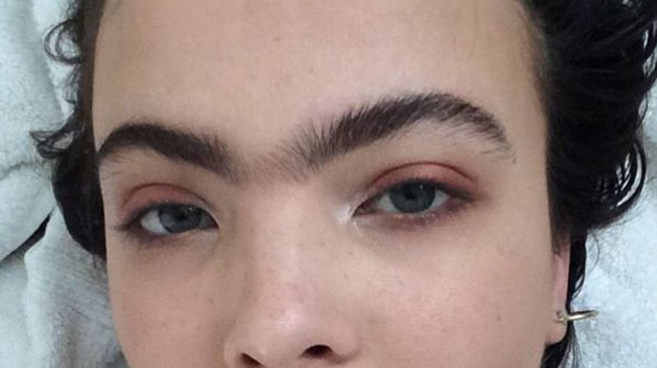 Avec son mono-sourcil, ce mannequin redéfinit les codes de beauté (photos)