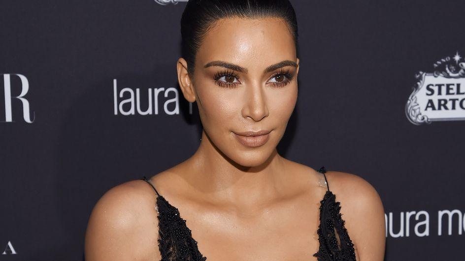 Kim Kardashian se promène en sous-vêtements dans les rues de New-York (Photos)