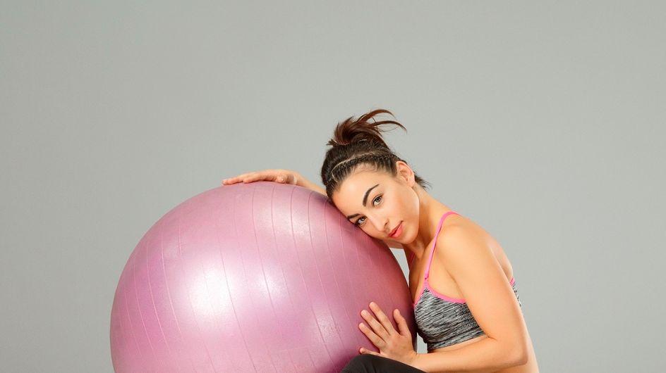 Pilates: gli esercizi migliori da fare con la palla