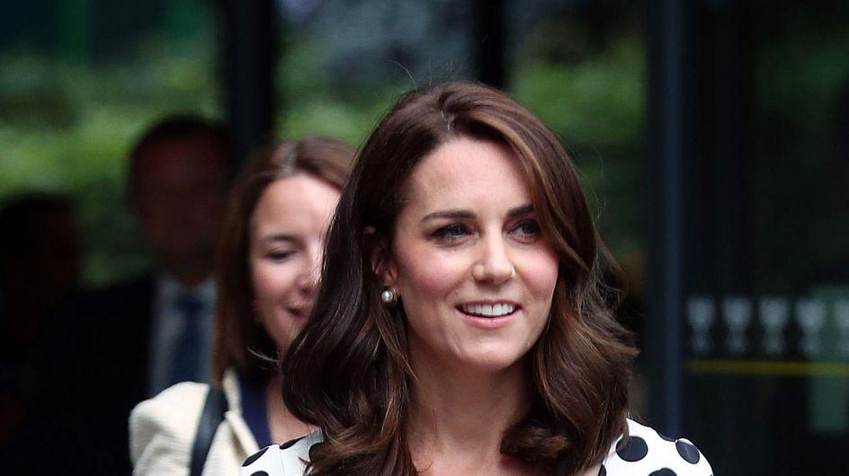 Voici ce que porte Kate Middleton pour rendre hommage à Lady Diana (Photos)