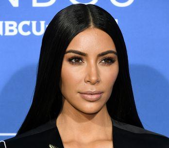 Kim Kardashian fait à nouveau le buzz...dans une robe entièrement transparente !