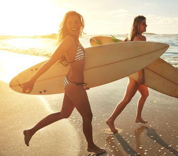Beneficios del surf: el deporte adictivo que te hará feliz