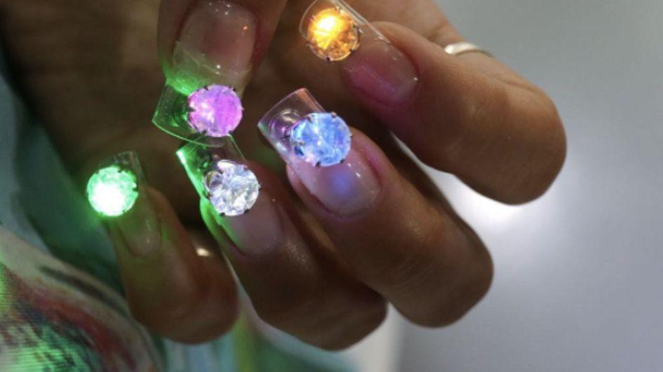 Conviértete en la reina de la pista con las uñas LED