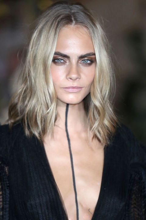 Taglio capelli lisci media lunghezza