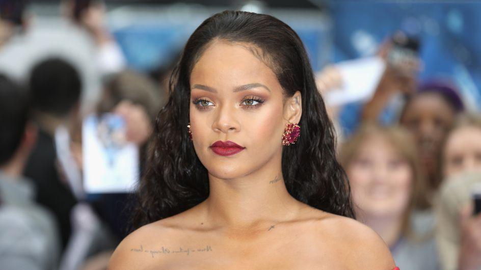 Escotazo sublime, Rihanna acapara todas las miradas con este vestido de Giambattista Valli