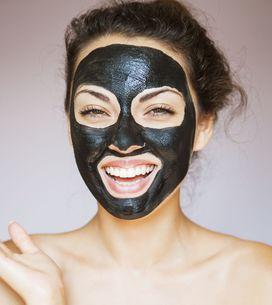 Carbone vegetale per la tua beauty routine: ecco come usarlo per essere più bell