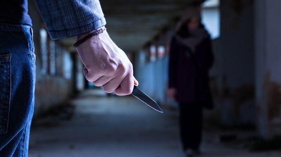 Défigurée au couteau par un inconnu car elle refuse de l'embrasser