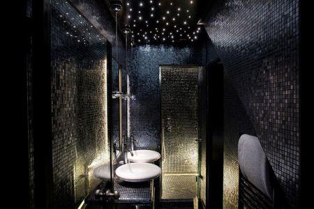 Ausgefallenes Badezimmer im Hotel
