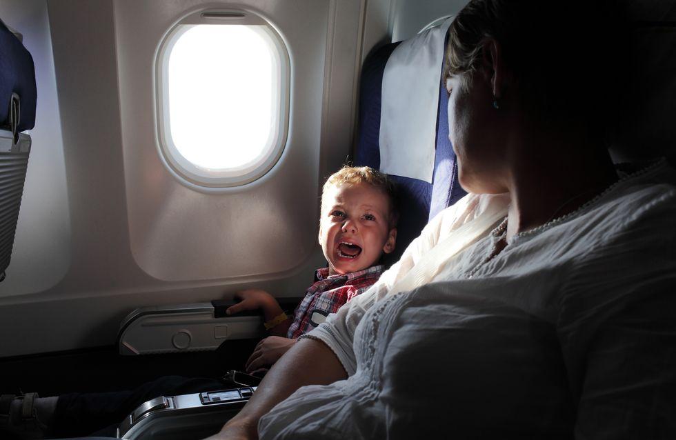 Weinende Kinder im Urlaubsflieger? Diese Mutter erklärt, was WIRKLICH hilft