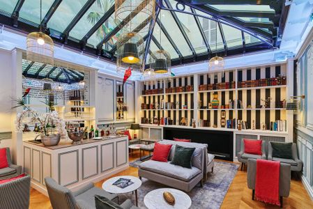 Imposante Glaskuppel im Hotel
