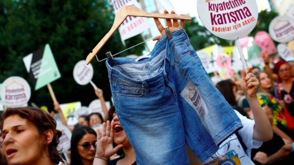 Istanbul : elles manifestent contre la montée des agressions envers les femmes