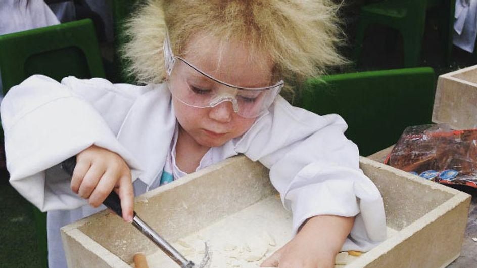 Uncombable Hair Syndrome Is A Thing, And This Girl Has It