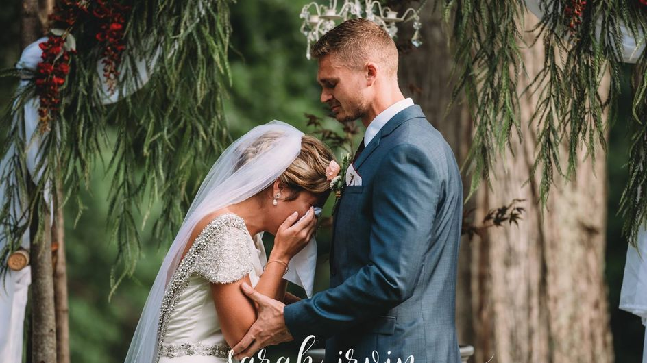 Kurz vor ihrem Ja-Wort bricht diese Braut plötzlich in Tränen aus...