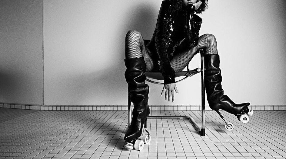 ¡Tus looks sobre ruedas! Los nuevos zapatos-patines de Saint Laurent