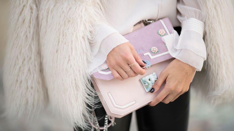 10 trucs qu'on trouve TOUJOURS dans le sac d'une fille