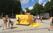 Eltern lassen ihre Kinder Kunst zerstören - SO krass reagiert der Künstler