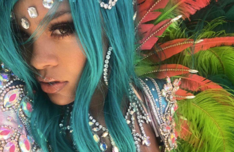 Rihanna fait grimper la température en tenue sulfureuse à la Barbade (Photos)