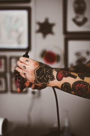 Unterarm tattoo schmerzen Schmerzen auf